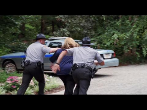 """Hilarious Melissa McCarthy Runs From The Cops In """"Tammy"""""""