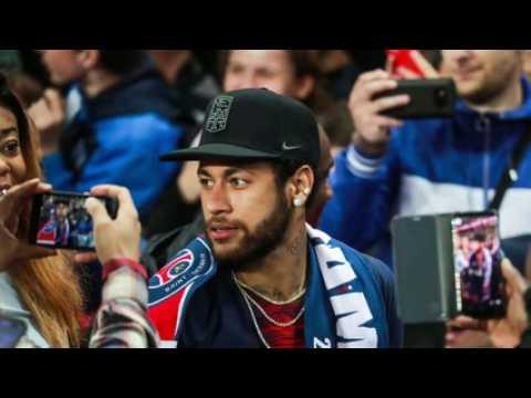 """Neymar accusé de viol : la police """"achetée"""" ? La plaignante s'insurge"""