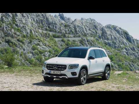 The new Mercedes-Benz GLB Design in White