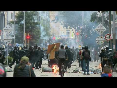 Protesters clash with police in Bogota during anti-govt demonstrations