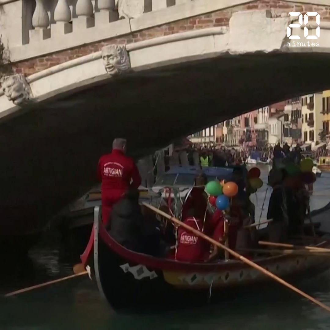 Venise donne le coup d'envoi de son carnaval