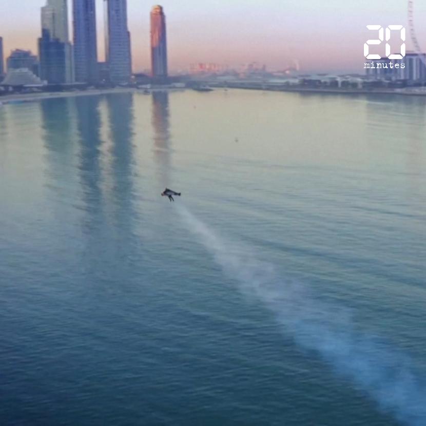 L'« homme avion » s'envole à 1.800 mètres d'altitude au-dessus de Dubaï