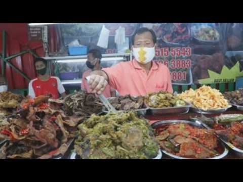 Indonesian Muslims flock to food streets for Iftar meal