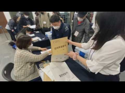 Vote counting underway in Seoul mayoral election