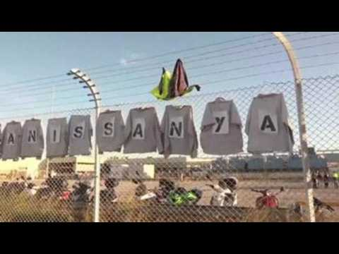 300 Acciona workers protest closure of Nissan plant in Barcelona