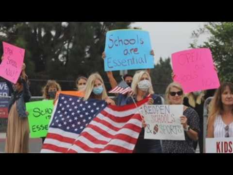 Parents, students protest to reopen schools in California