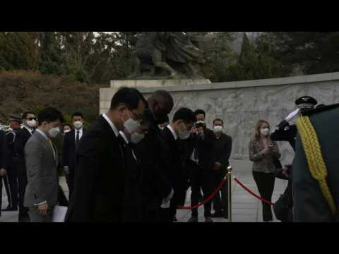 US Defense Secretary Lloyd Austin visits Seoul National Cemetery