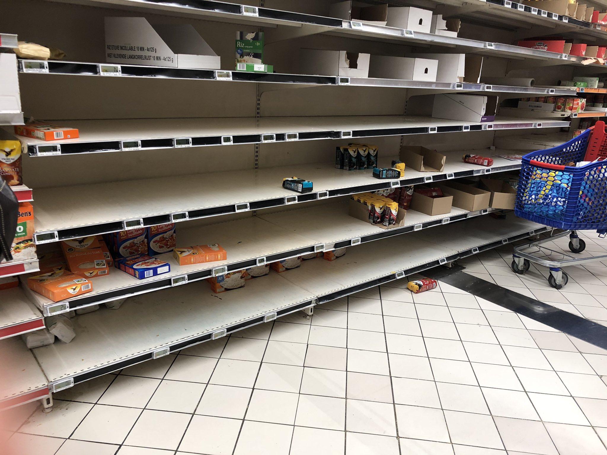 Coronavirus: la ruée vers les supermarchés