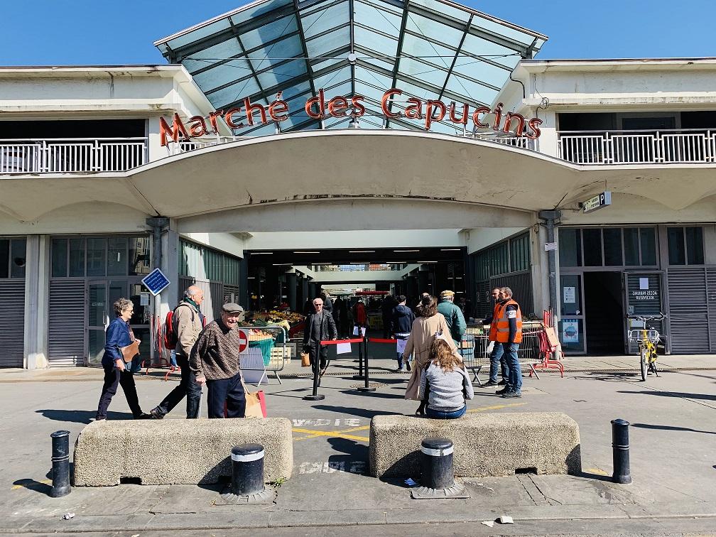 Bordeaux : Le marché des Capucins s'adapte aux règles du confinement
