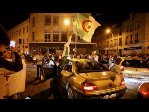 La fête dans  les rues de Creil  après la victoire de l'Algérie en finale de la CAN