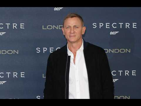 Daniel Craig: Emilia Clarke can be Bond