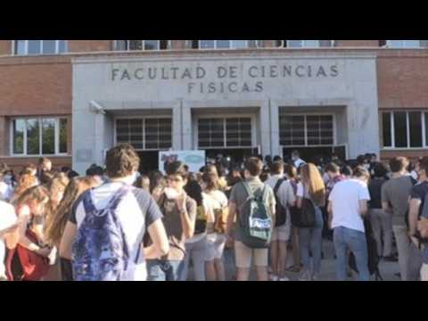 Students in Spain take university entrance exam amid pandemic