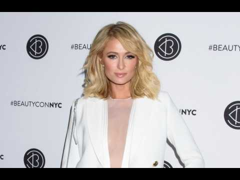 Paris Hilton calls Lindsay Lohan 'lame and embarrassing'