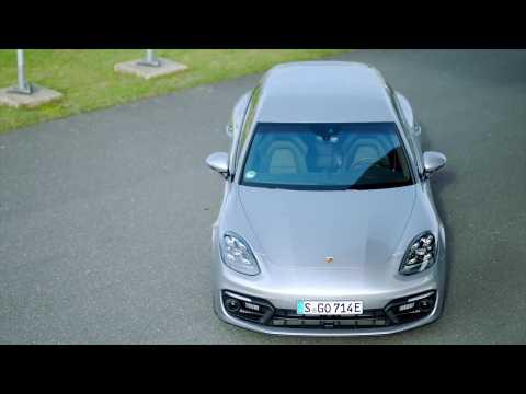 The new Porsche Panamera 4 E-Hybrid Sport Turismo Design in GT-Silver Metallic