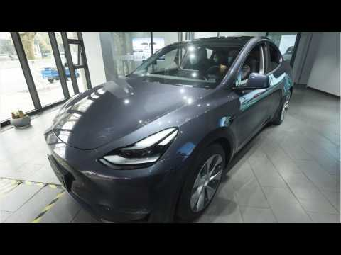 Tesla Delivers First Shanghai-Made Model Y Crossovers