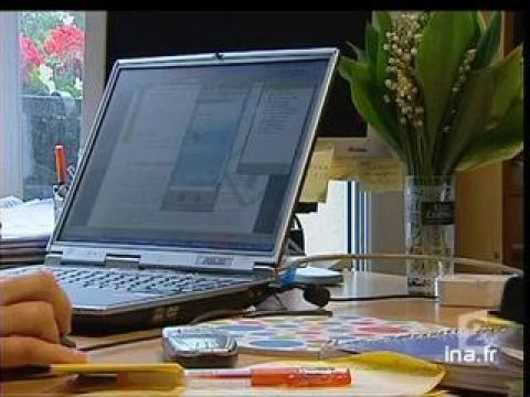 comment v rifier la fiabilit d 39 un site en 3 clics sur orange vid os. Black Bedroom Furniture Sets. Home Design Ideas