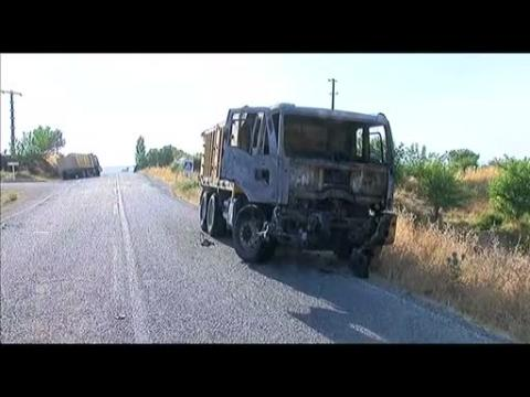 Army: Two Turkish soldiers killed in militant bomb attack
