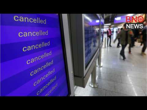 Large Winter Storm System Cancels Nearly 900 Flights in the U.S.