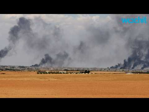 Kurdish and Arab Fighters Corner ISIS Near Turkish Border