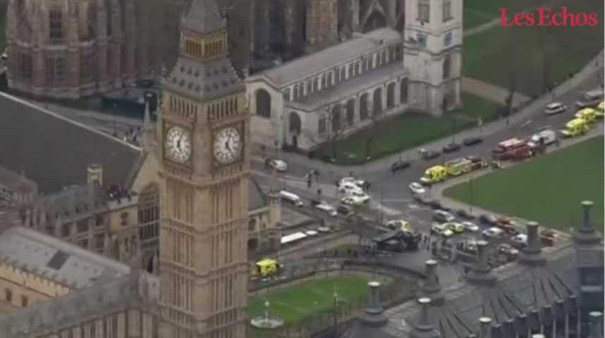 Illustration pour la vidéo Londres sous le choc après une attaque terroriste devant Westminster