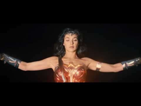 Gal Gadot, Chris Pine, Robin Wright In 'Wonder Woman' New Trailer