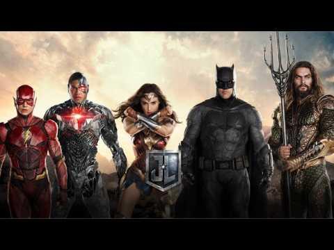 Justice League: Watch Batman Trailer Sneak Peek