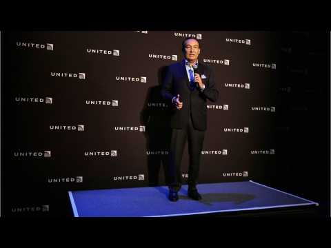Lawyer Claims United Apology Was Staged