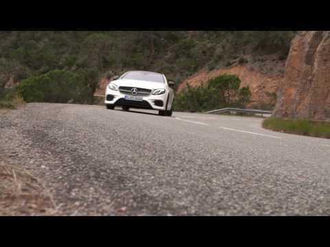 Mercedes-Benz E 400 d 4MATIC Coupe Driving Video in Cashmere White Trailer | AutoMotoTV