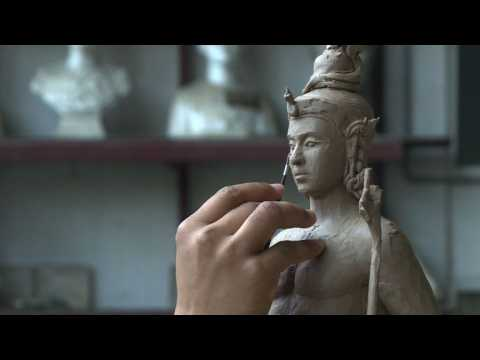 Thai artisans craft sculptures for king's funeral