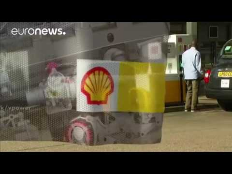 BP hit worse than Shell by low oil prices