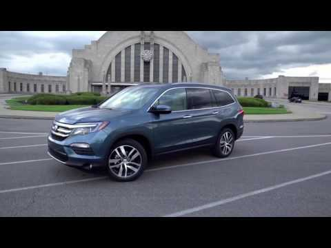 2017 Honda Pilot Elite AWD Exterior Design in Blue Trailer | AutoMotoTV