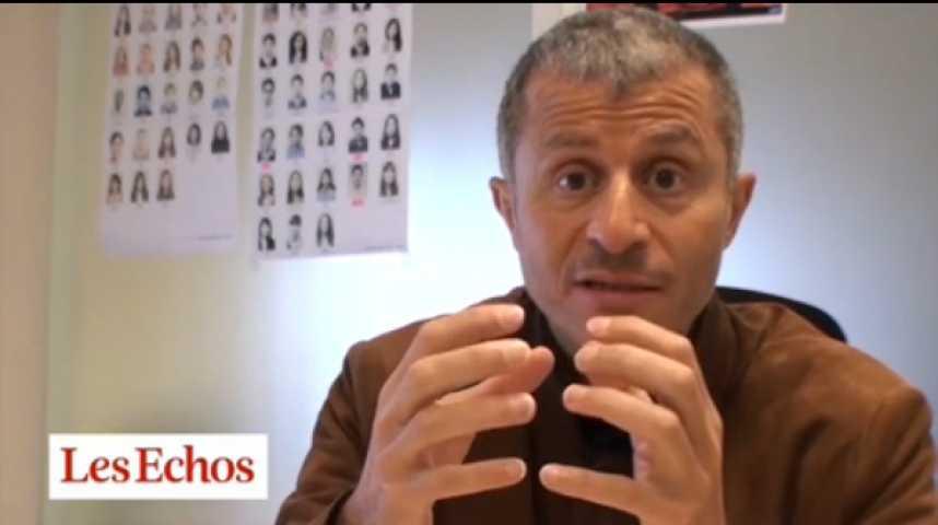 """Illustration pour la vidéo Algérie : """"des milliards de dollars de corruption"""""""