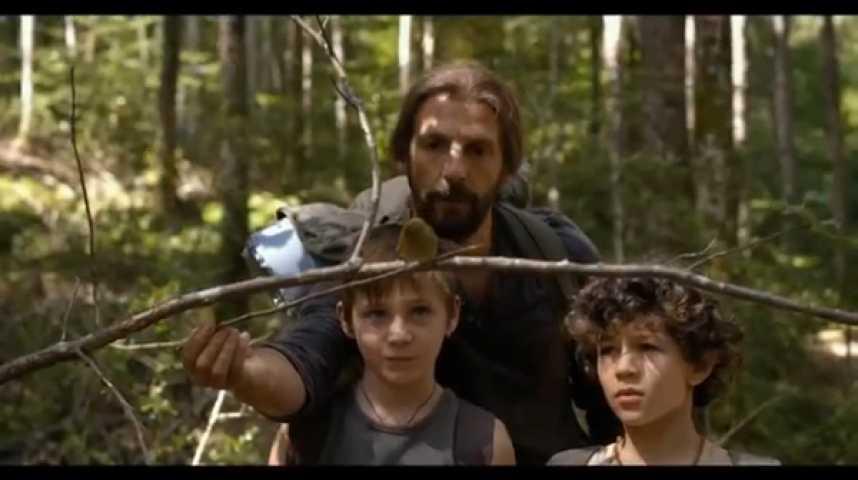 """Illustration pour la vidéo """"Vie sauvage"""" : Cédric Kahn interroge le système et le rôle de père"""