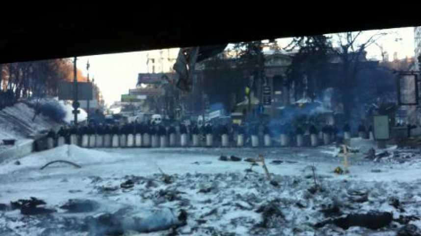 Illustration pour la vidéo Un plan de barricade à Kiev