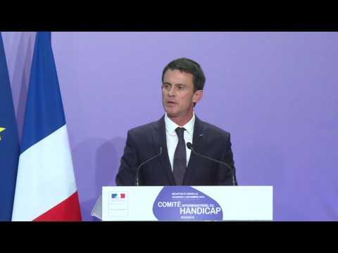 """Valls : """"La décision de François Hollande est celle d'un chef d'Etat"""""""