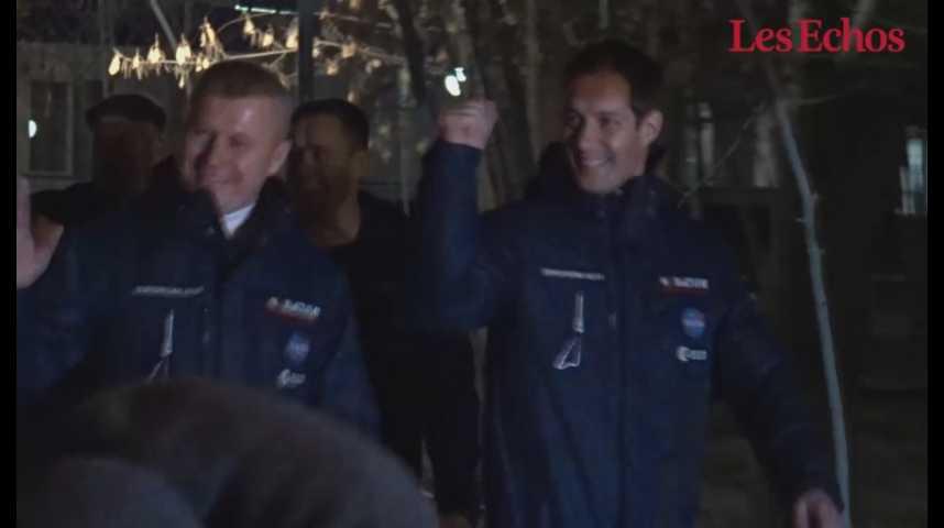 Illustration pour la vidéo Vol vers l'ISS : Thomas Pesquet et ses deux coéquipiers ont quitté leur hôtel