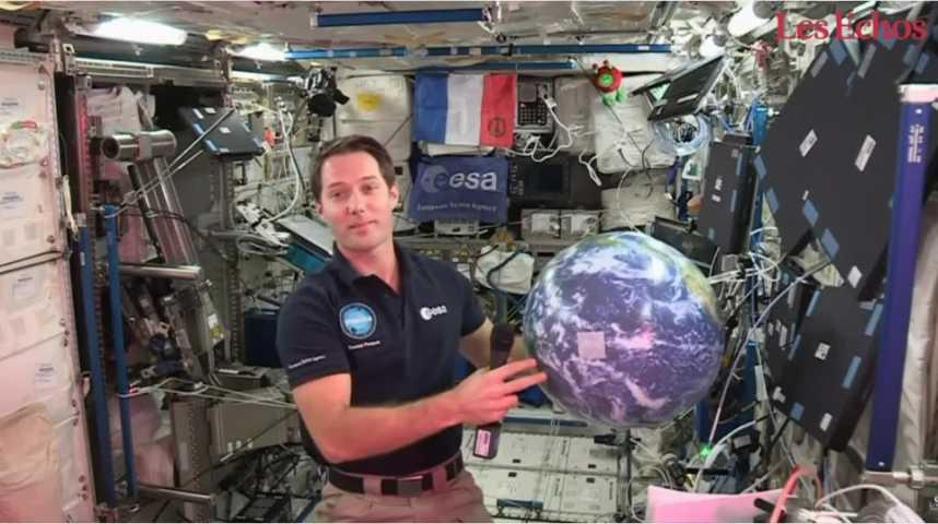 Illustration pour la vidéo Thomas Pesquet a échangé avec des lycéens en duplex de l'ISS