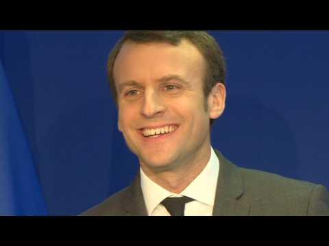 """Macron : """"Je ne sollicite pas"""" le soutien de Hollande"""