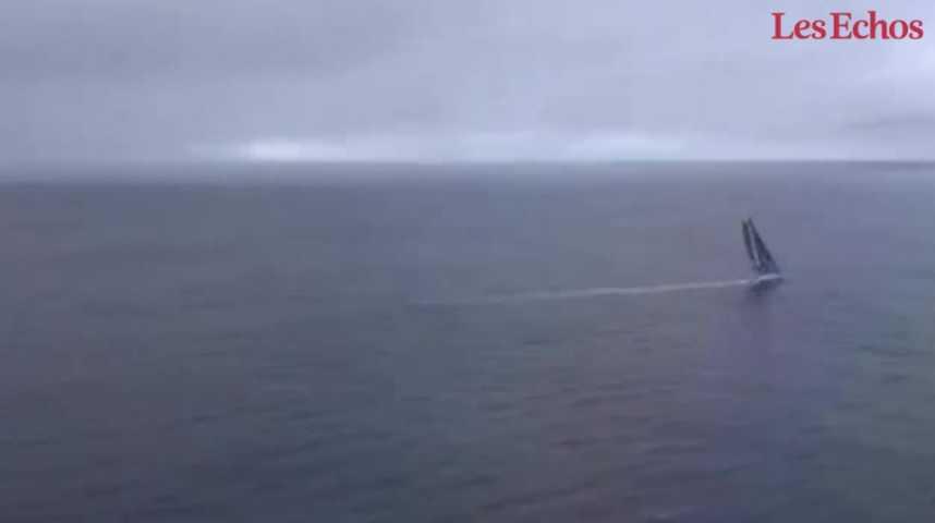 Illustration pour la vidéo « Reste derrière, c'est sympa ! » : le message d'Armel Le Cleac'h à Alex Thomson avant l'arrivée du Vendée Globe