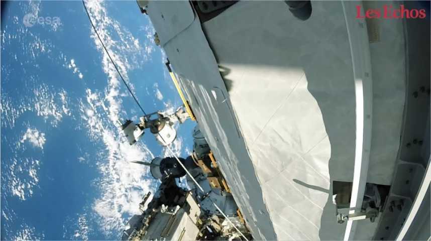 Illustration pour la vidéo La 1ère sortie de Thomas Pesquet dans l'espace comme si vous y étiez