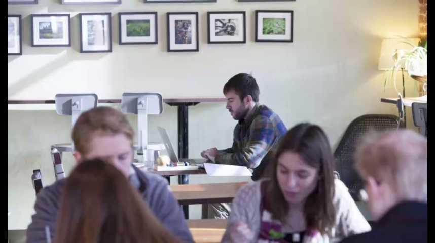 Illustration pour la vidéo Comment les banques et les assureurs veulent mettre la main sur les Millennials