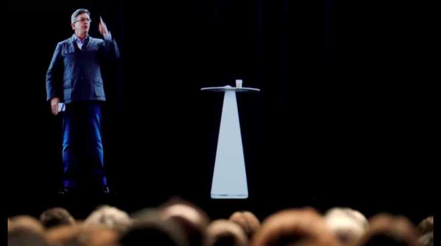 Illustration pour la vidéo Comment Mélenchon s'est dupliqué à Lyon et Paris grâce à un hologramme