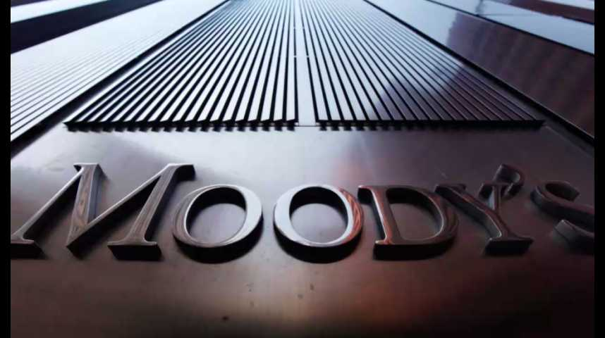 Illustration pour la vidéo Trump ou Clinton : Moody's a évalué leurs programmes sur l'économie