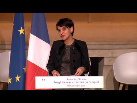 Non, Najat Vallaud-Belkacem n'a pas mené de complot contre l'accent circonflexe