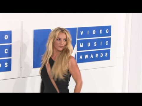Hot Beyonce and Britney Spears At 2016 VMA's