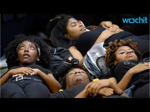 Students Hold Lay-In Protest at UNC Over Keith Scott Shooting