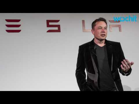 500-Mile-Range Tesla? Elon Musk Says 'Less Than 10 Years'