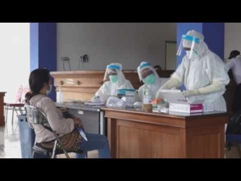 Indonesians head home for Eid Al Fitr holidays amid pandemic despite gov't 'warning
