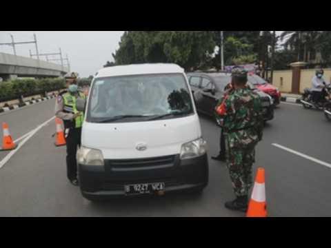 Indonesia bans Eid-al-Fitr travel amid coronavirus pandemic