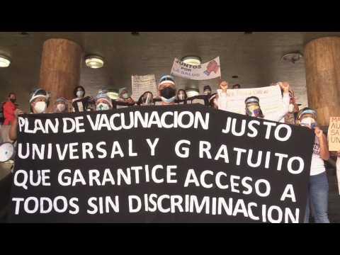 Venezuelan nurses protest lack of Covid-19 vaccines, PPE
